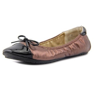Me Too lucca Round Toe Leather Flats