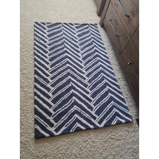 nuLOOM Handmade Chevron Wool Area Rug