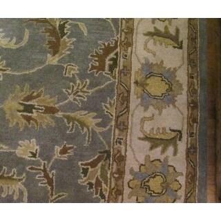 Safavieh Handmade Heritage Timeless Traditional Light Blue/ Beige Wool Rug (7'6 x 9'6)