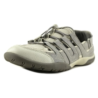 Clarks Narrative Vailee Frost Youth Round Toe Leather Gray Walking Shoe (Option: 3.5)