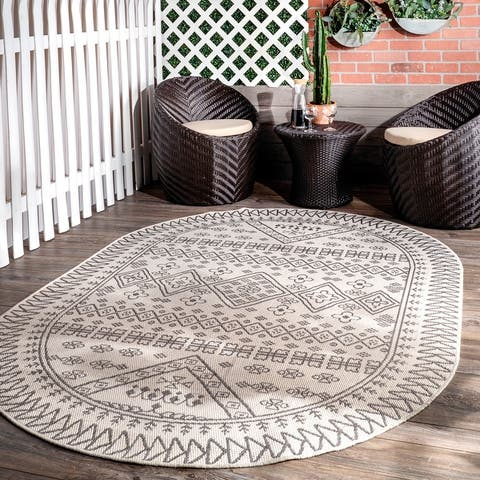 nuLOOM Indoor/Outdoor Tribal Inspired Floral Diamonds Area Rug