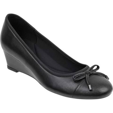 Easy Spirit Women's Prim Cap Toe Wedge Black Leather