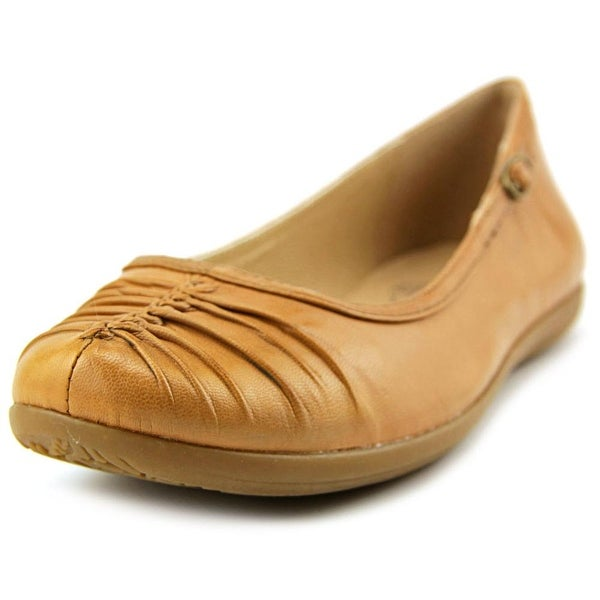 Baretraps Rinn Women Round Toe Leather Tan Flats