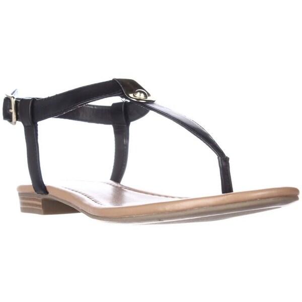 SC35 Baileyy T-Strap Flat Sandals, Black