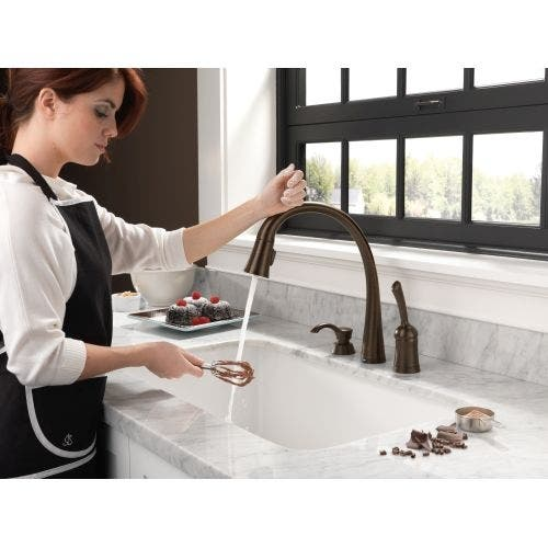 Delta 980t Dst Pilar Pull Down Kitchen Faucet With On Off Touch Activation And Magnetic Docking Spray Head Includes Lifetime Overstock 16930739