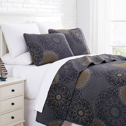 Midnight Floral Printed Quilt and Coordinating Sham Set