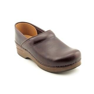 Dansko Narrow Pro Women N/S Round Toe Leather Brown Clogs