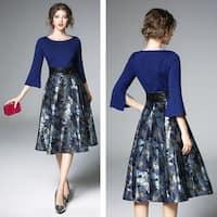 Elegant Split Trumpet Sleeve Jacquard Dress