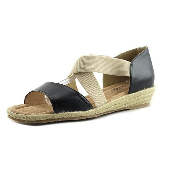 Beacon Lydia Black Sandals