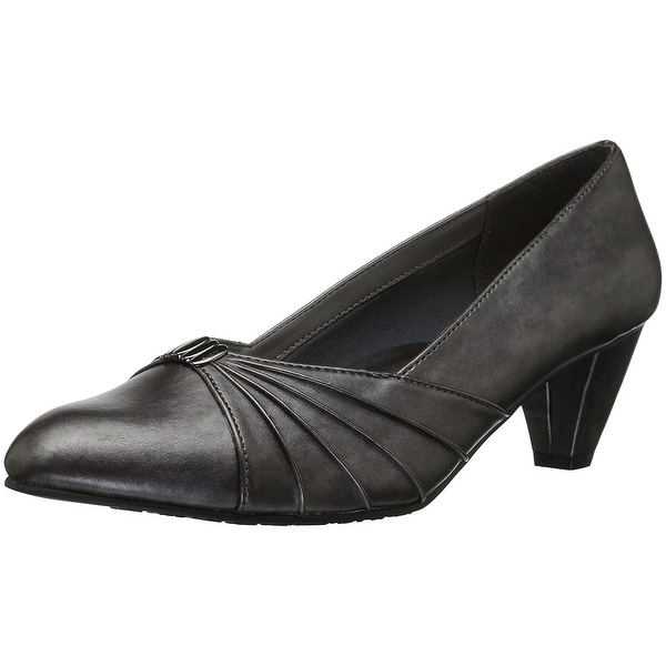 Soft Style Womens Dee Closed Toe Classic Pumps