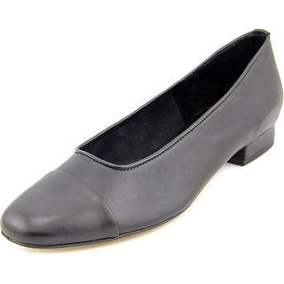 Vaneli Frankie N/S Cap Toe Leather Flats|https://ak1.ostkcdn.com/images/products/is/images/direct/a0aff76e8c42936120fd8a44b1212e3f7377bb1c/Vaneli-Frankie-N-S-Cap-Toe-Leather-Flats.jpg?impolicy=medium