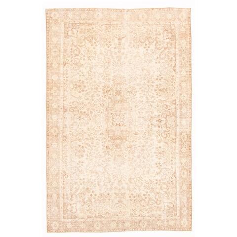 ECARPETGALLERY Hand-knotted Melis Vintage Light Khaki Wool Rug - 6'4 x 9'6