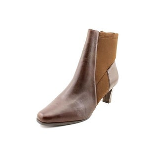 Trotters Janet Women N/S Round Toe Leather Brown Bootie