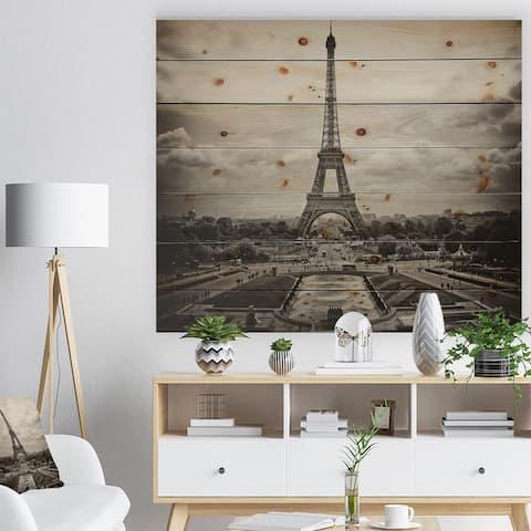 Designart 'Vintage View of Paris France' Cityscape Photo Print on Natural Pine Wood - Black