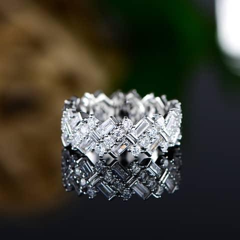 18K White Gold Overlay Ring Made with Shimmering Swarovski Elements