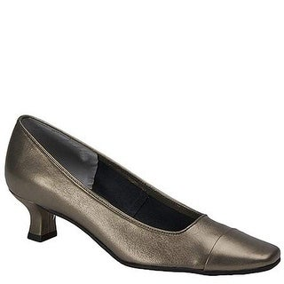 VANELi Womens Rickie Leather Closed Toe Classic Pumps