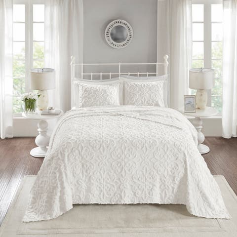 Madison Park Sarah Tufted Cotton Chenille Bedspread Set