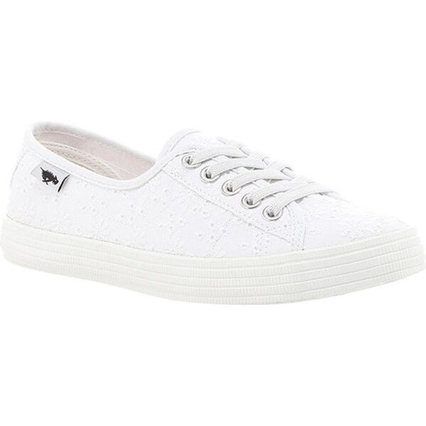 Shop Rocket Dog White Eyelet Chow Women's Lucky Sneaker Cotton Chow 44BrqR