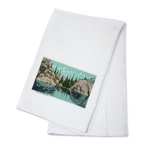 Custer State Park, South Dakota - Reflection View on Sylvan Lake - Vintage Halftone (100% Cotton Towel Absorbent)