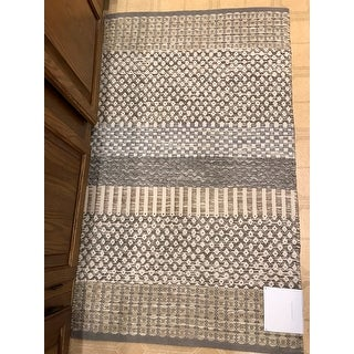 Jessica Simpson woven Kendall accent rug