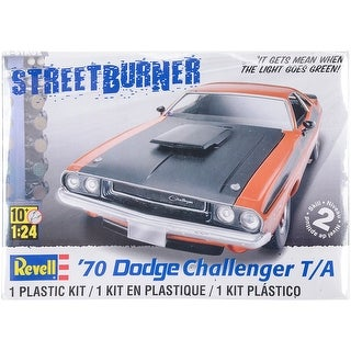 Plastic Model Kit-'70 Dodge Challenger T/A 2 In 1 1:24