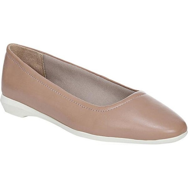 Naturalizer Womens Alya Ballet Flat