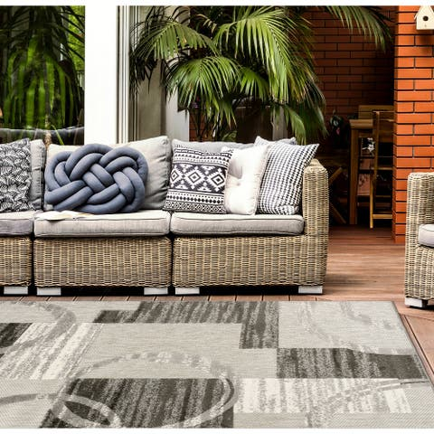 Modern Boxes Abstract Indoor/Outdoor Area Rug