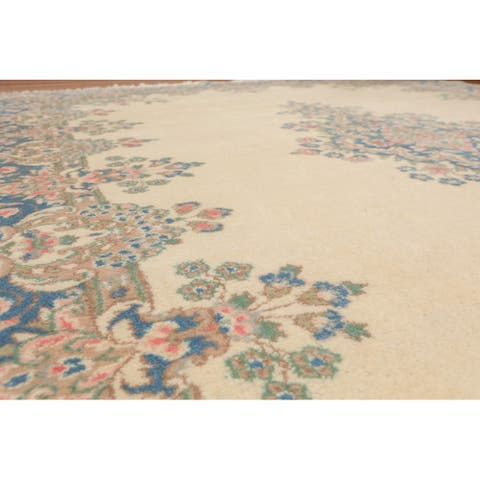 "Hand Knotted Wool Kerman Persian Area Rug (8'2""x10') - 8'2 x 10'"