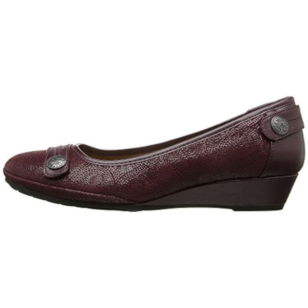Comfortiva Womens Anne Leather Closed Toe Wedge Pumps