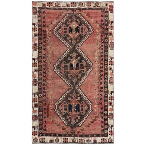 """Shahbanu Rugs Coral Color Vintage Persian Shiraz With Serrated Medallion Design Clean Hand Knotted Wool Rug (3'9"""" x 6'6"""")"""