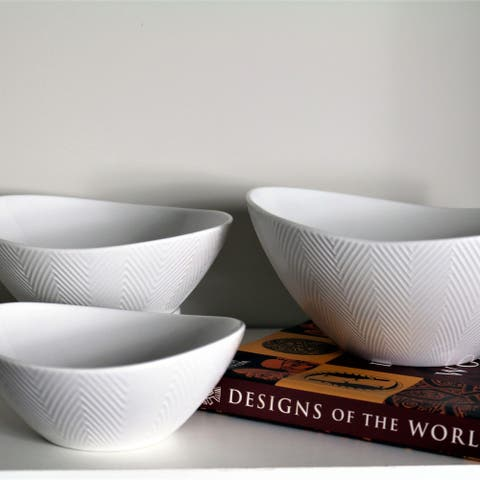 Euro Ceramica Highlands Collection Porcelain Dining / Serving Nesting Bowls (Set of 3)