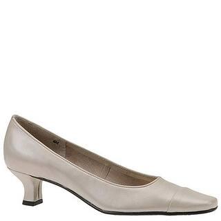 9f32246ee477 Size 9.5 Vaneli Shoes