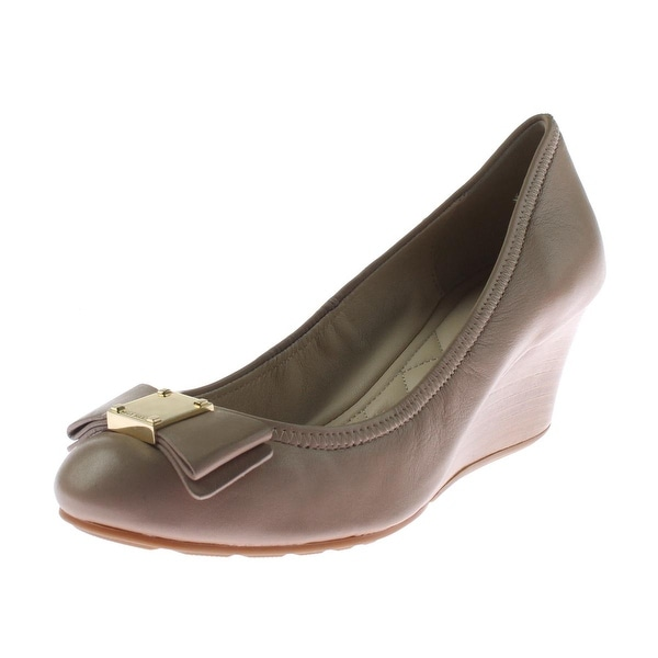 d38ff45fabc Shop Cole Haan Womens Tali Grand Wedge Heels Leather Bow Stacked - 6.5  medium (b