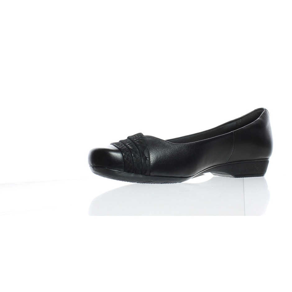 Clarks Women's Blanche Cacee Flat, Black