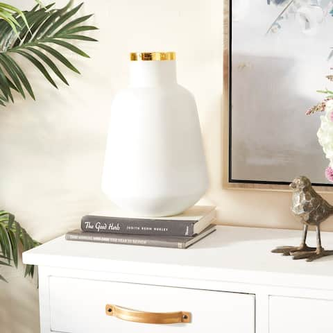 White Glass Glam Vase 15 x 10 x 10