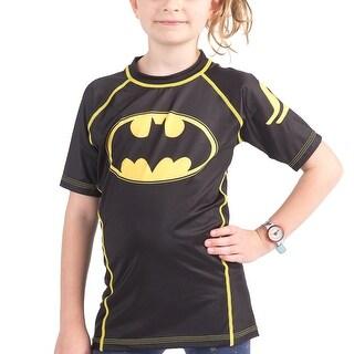 Fusion Fight Gear Kid's Batman 1989 Black Logo Short Sleeve Rashguard|https://ak1.ostkcdn.com/images/products/is/images/direct/a913829c93cfceb410dc193382fedc3c0ebfca8e/Fusion-Fight-Gear-Kid%27s-Batman-1989-Black-Logo-Short-Sleeve-Rashguard.jpg?_ostk_perf_=percv&impolicy=medium