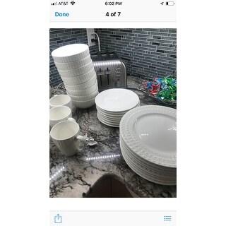 American Atelier Amelie Porcelain 16-piece Dinnerware Set