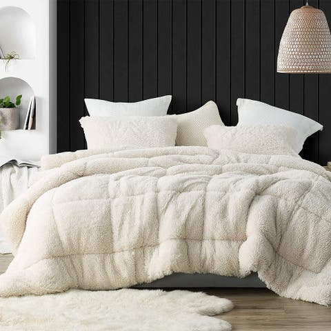 Smooches and Pooches - Coma Inducer Oversized Comforter - White Swan