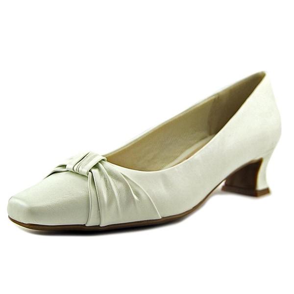 Easy Street Waive N/S Pointed Toe Synthetic Heels