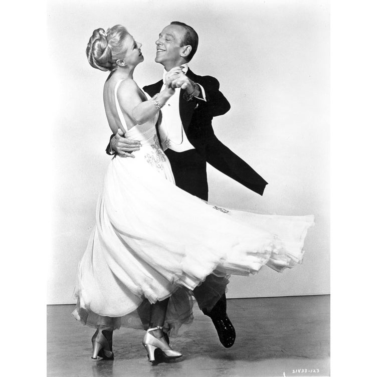 Shop Fred Astaire And Ginger Rogers Dancing Photo Print Overstock 25396092