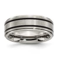 Chisel Black Accent Ridged Edge Brushed and Polished Titanium Ring (8.0 mm)