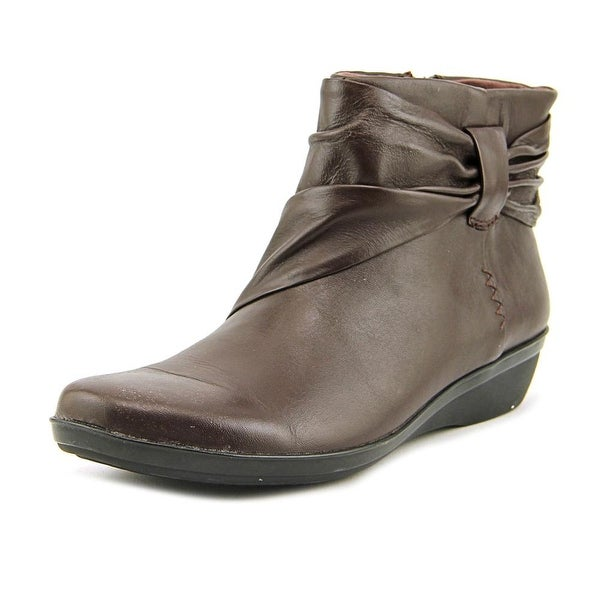 Clarks Everlay Mandy  N/S Round Toe Leather  Ankle Boot