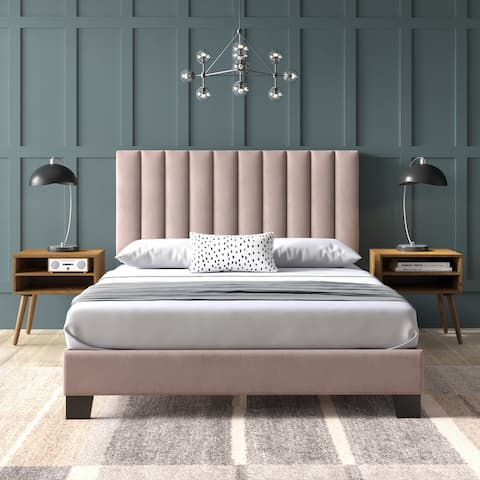 Picket House Furnishings Colbie Upholstered Queen Platform Bed iWith Nightstands in Blush