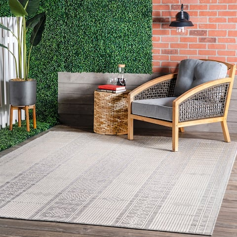 nuLOOM Leigh Ethnic Stripes Indoor/Outdoor Area Rug
