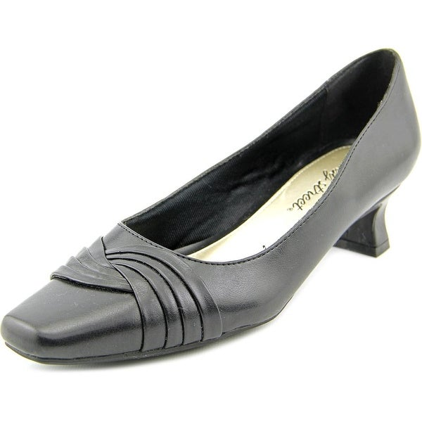 Easy Street Tidal Women Black Pumps