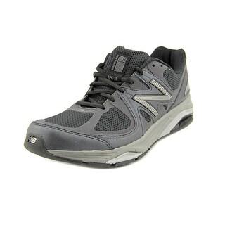 New Balance M1540 4E Round Toe Canvas Sneakers