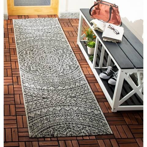 Safavieh Courtyard Fran Mandala Indoor/ Outdoor Rug