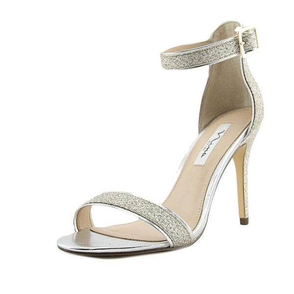 Nina Caela Soft Platino Sandals