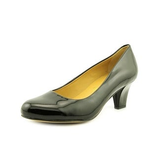 Trotters Penelope Women N/S Round Toe Patent Leather Heels