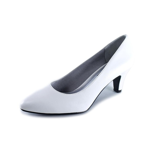 Life Stride Sable Women White Victory Pumps